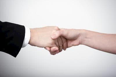 دست دادن آمرانه