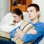 رفتار زن با سیاست هنگام کم حرفی شوهرش