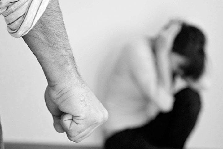 نشانههای رابطهٔ مبتنی بر آزارواذیت