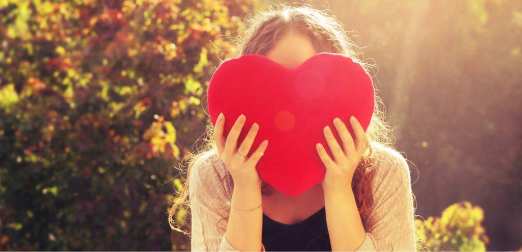 ۱۳ عادت کسانی که دلسوز خودشان هستند