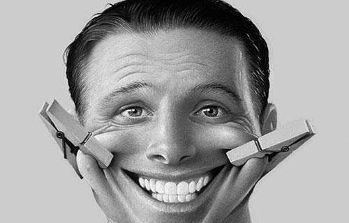 مزایای لبخند و خنده